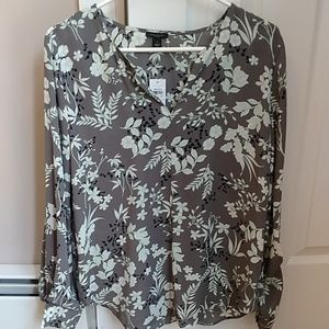 Ann Taylor Factory flower blouse, small, NWT